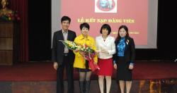 Chi bộ Khoa Bệnh nghề nghiệp tổ chức lễ kết nạp đảng.