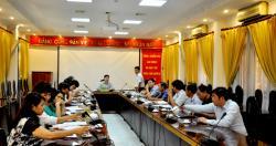 Trao tặng huy hiệu 30 năm tuổi Đảng cho đồng chí Bùi Văn Chung, Phó Viện trưởng