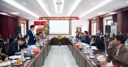 Thứ trưởng Nguyễn Thanh Long cùng đoàn công tác Bộ Y tế đến làm việc với...