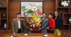 Đảng ủy, chỉ huy Phòng PA 83 Công An Hà Nội chúc mừng năm mới Viện SKNN & MT.