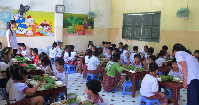 Bảo đảm an toàn thực phẩm cho trường học