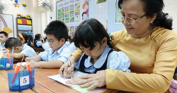 Cong vẹo cột sống ở học sinh và cách phòng chống