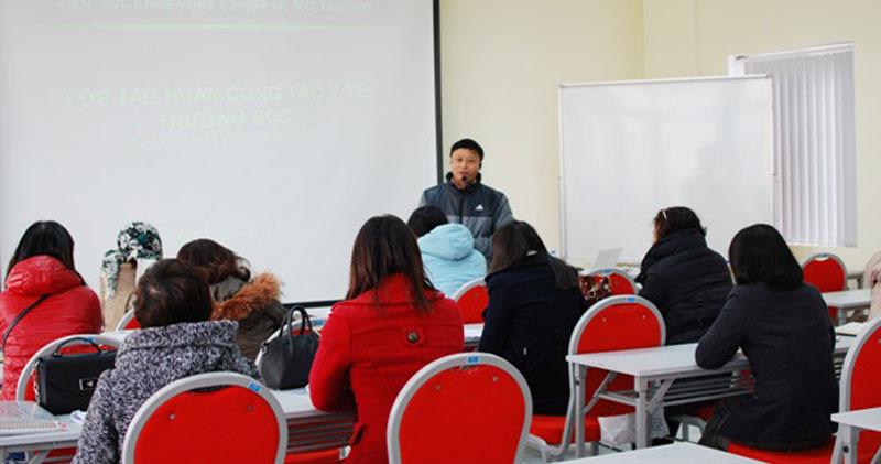 Lớp tập huấn: Chăm sóc sức khỏe học sinh trong trường học
