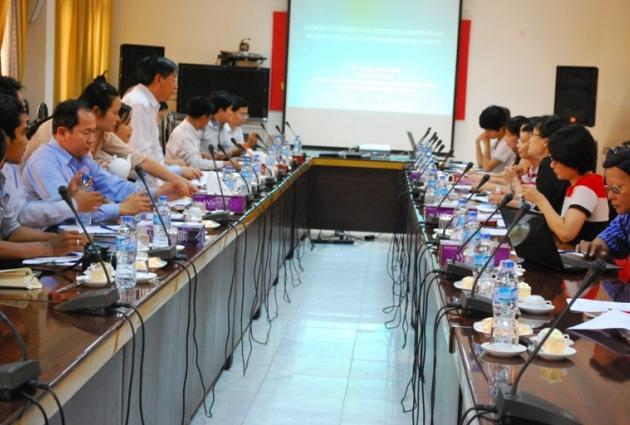 Viện sức khoẻ nghề nghiệp và môi trường làm việc với đoàn chuyên gia Campuchia