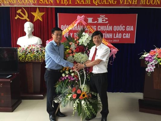 Viện Sức khỏe nghề nghiệp và môi trường tham dự lễ đón bằng công nhận chuẩn Quốc gia YTDP tại...