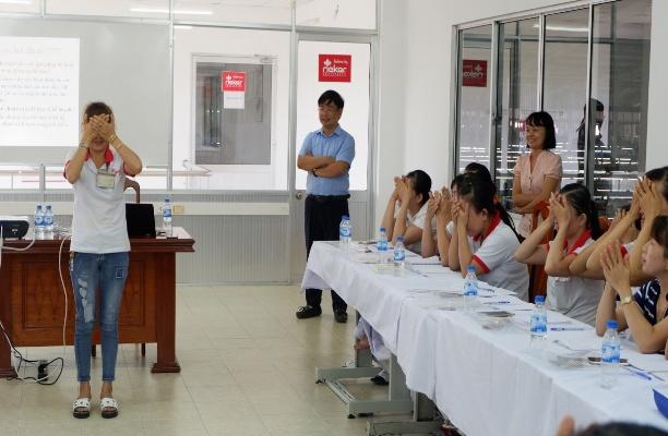 Hoạt động khảo sát điều kiện lao động và Tập huấn chăm sóc mắt cho trưởng nhóm công nhân tại nhà...