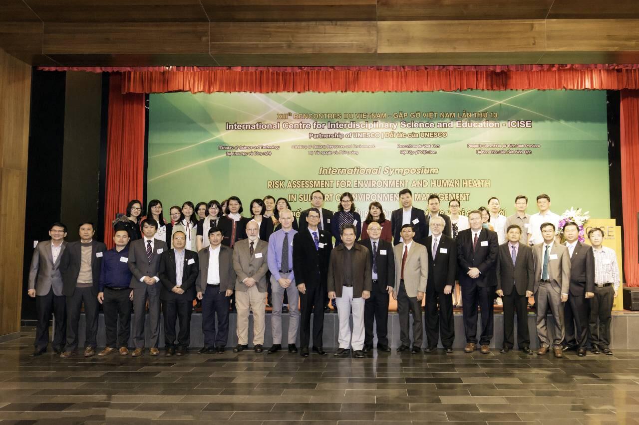 Lãnh đạo Viện SKNN & MT tham dự Hội nghị quốc tế về Đánh giá rủi ro môi trường và sức khỏe phục vụ công tác quản lý môi trường