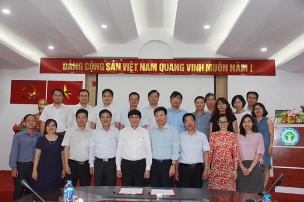Viện Sức khỏe nghề nghiệp và Môi trường hợp tác về đào tạo và nghiên cứu với Trường Đại học Khoa...