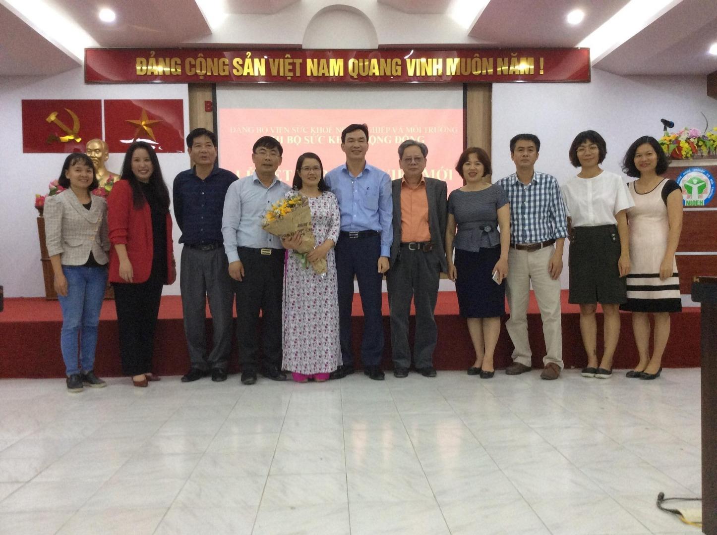 Lễ kết nạp Đảng viên mới của Chi bộ Sức khỏe cộng đồng