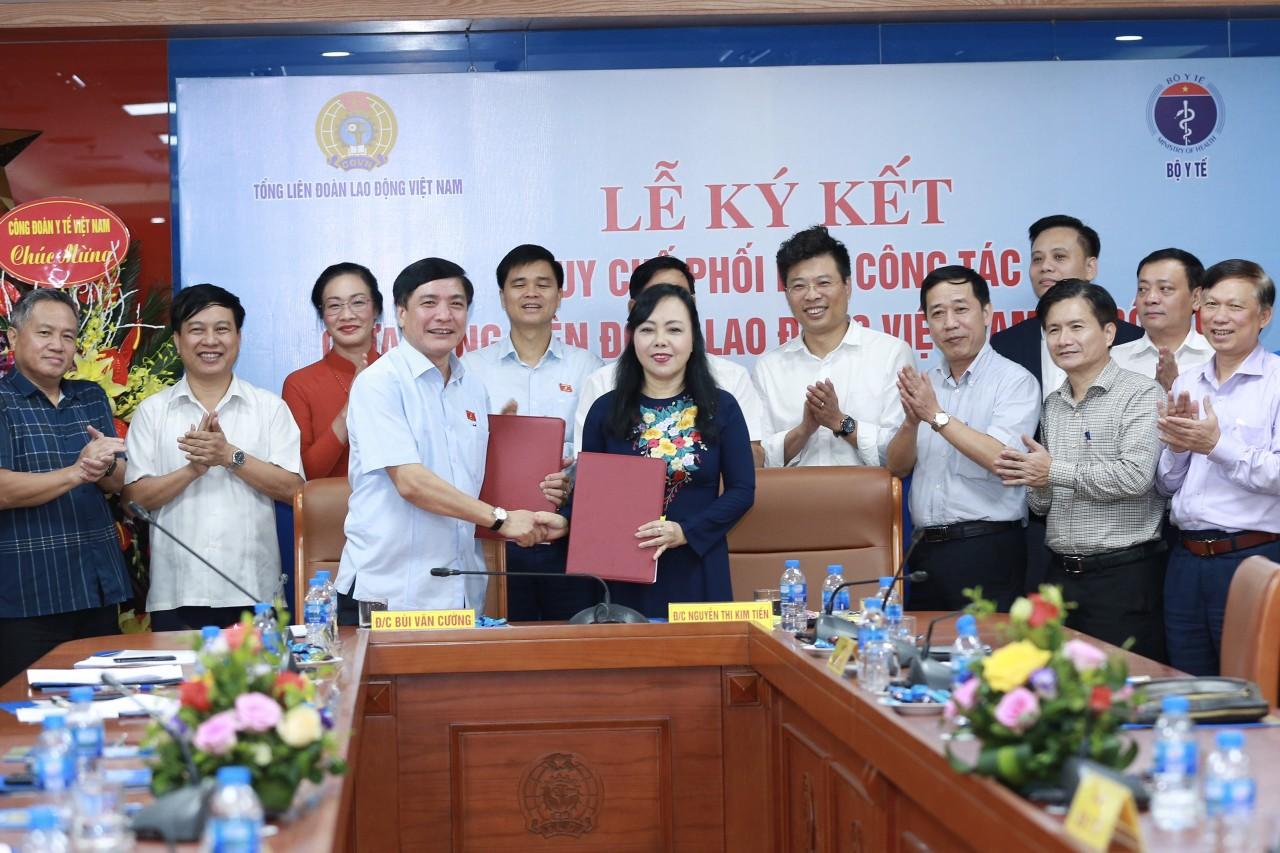 Lễ Ký quy chế phối hợp công tác giữa Tổng Liên đoàn Lao động Việt Nam và Bộ Y tế